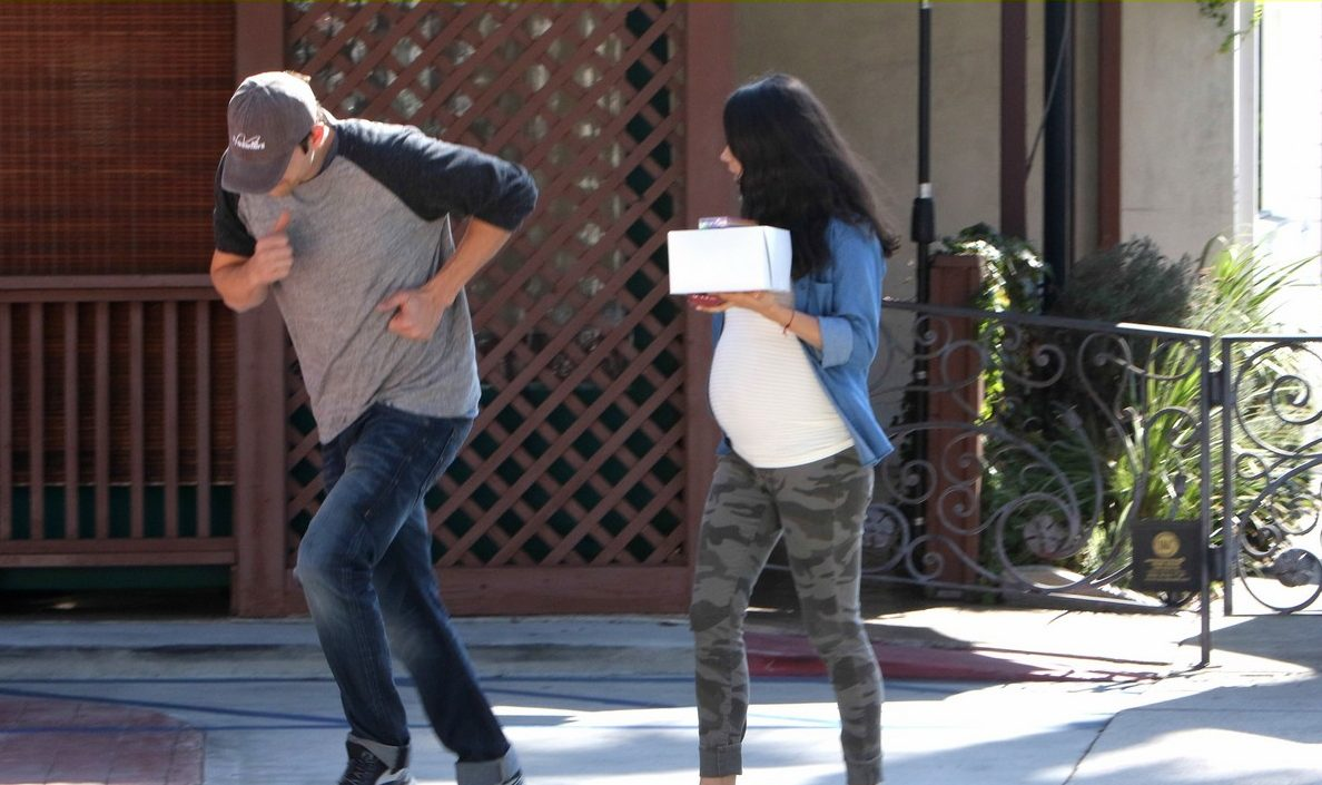 Pregnant Binge: Expectant Mila Kunis Plans to Overdose on Huge Amounts of Candy